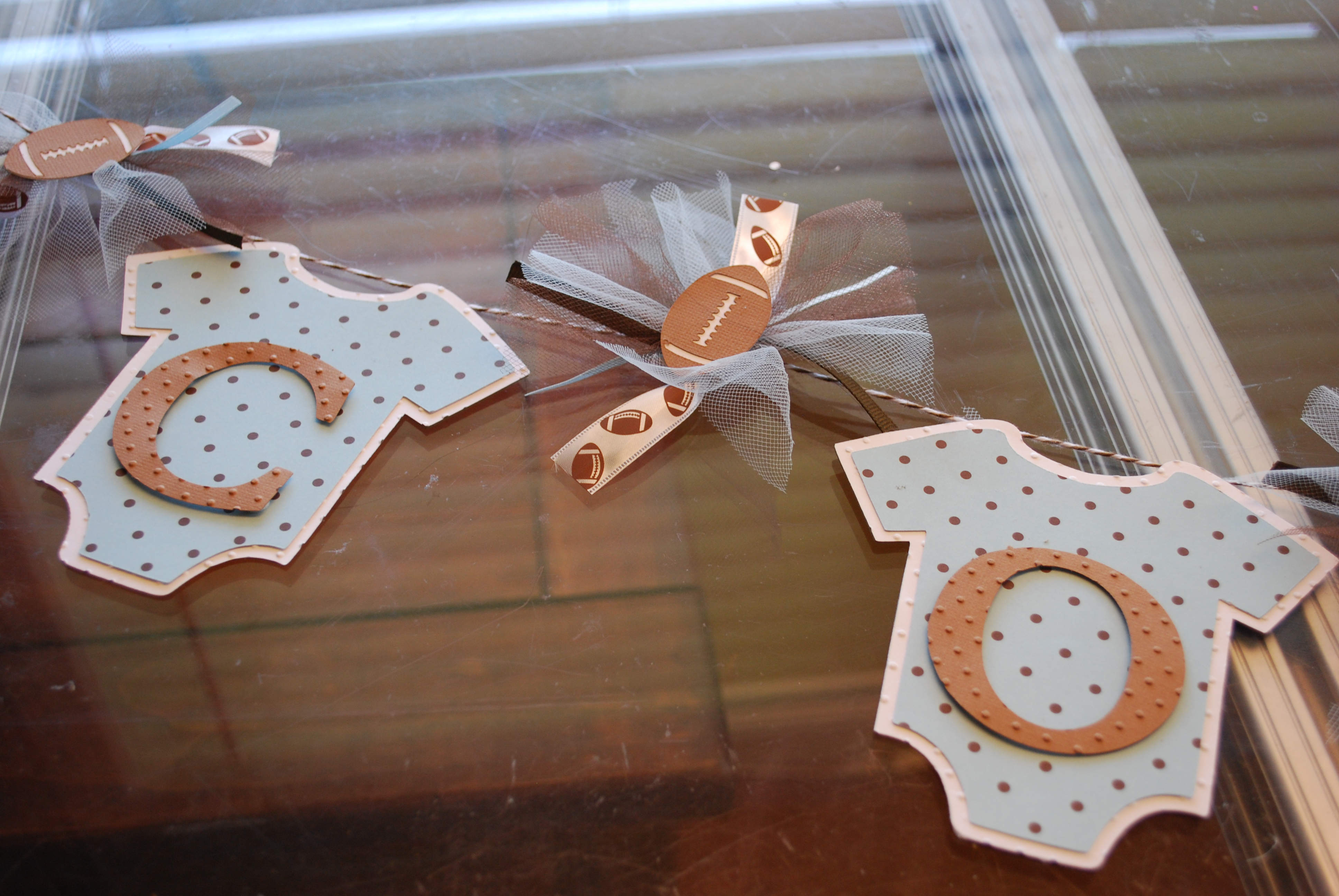 using your cricut for baby showers a piece of life 39 s pie